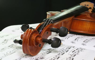 Image of violin and classical music